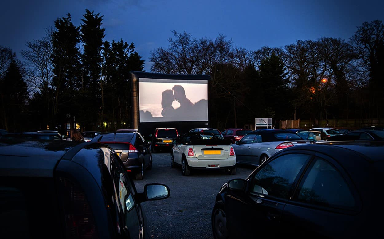 7-Eleven Is Setting Up An Outdoor Cinema For You