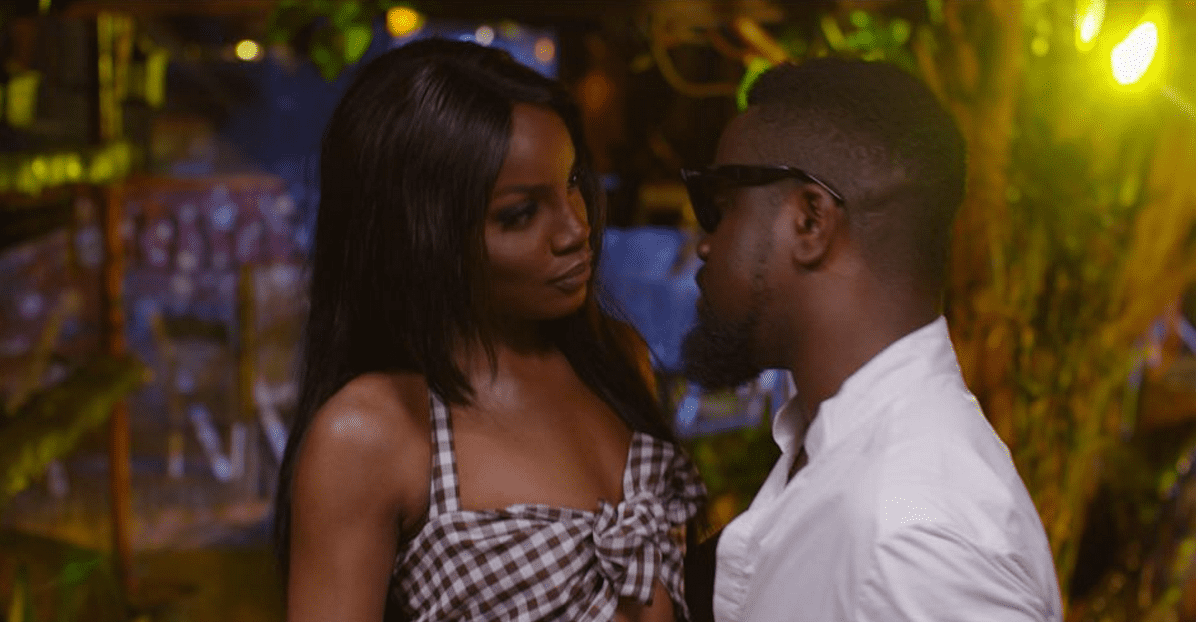 """Get into """"Weekend Vibes"""" with Seyi Shay and Sarkodie"""