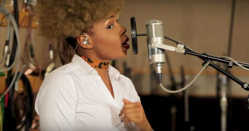 """Watch Yemi Alade's acoustic performance of """"Charliee"""" on BBC Radio 1Xtra - The Native"""