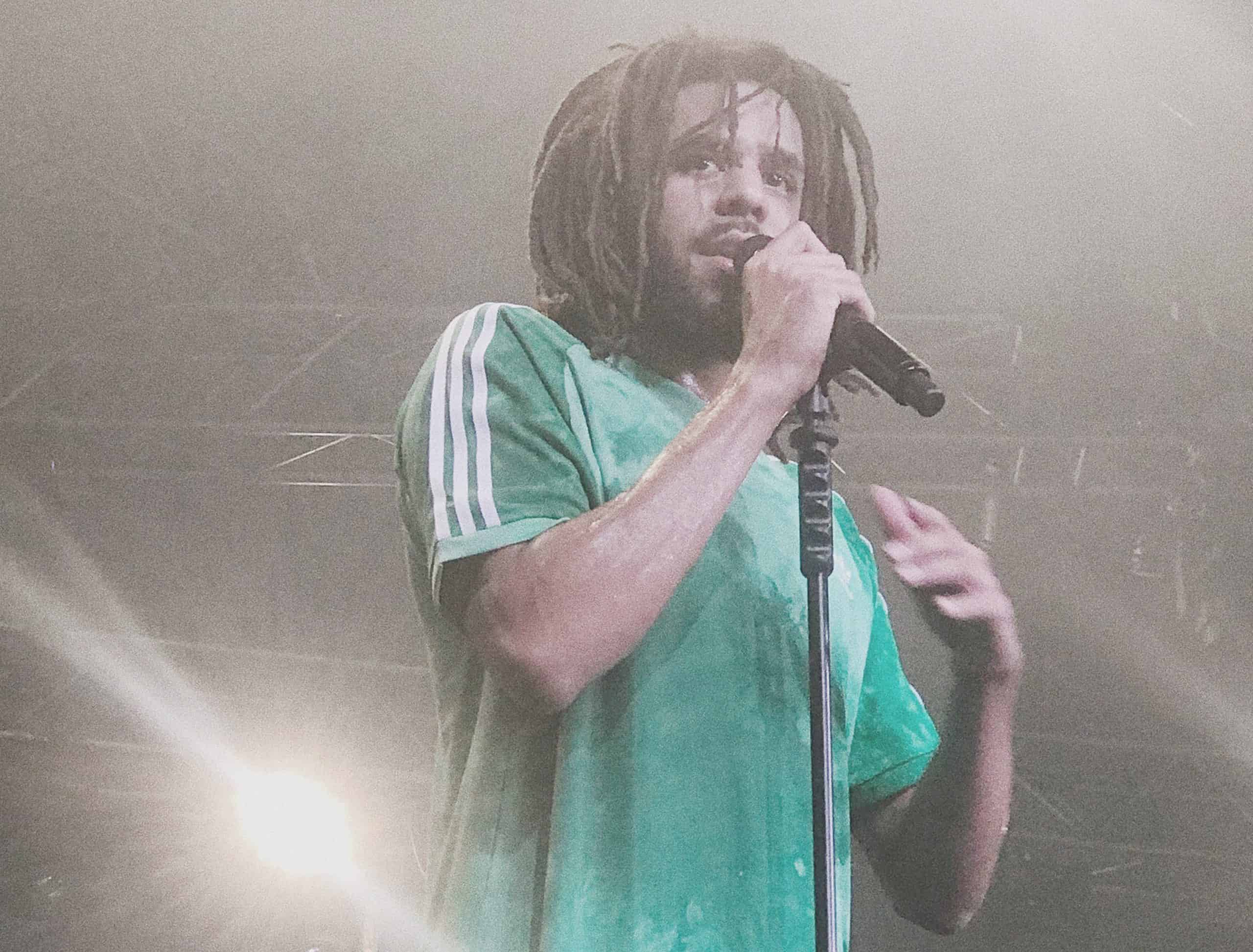 Here are some epic close-ups of J.Cole on-stage at the Eko Convention centre