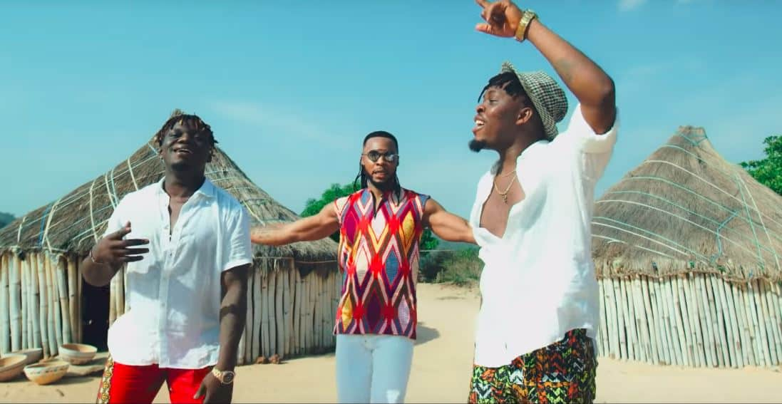 "See Flavour in ""Awele"", featuring high-life duo, Umu Obiligbo"