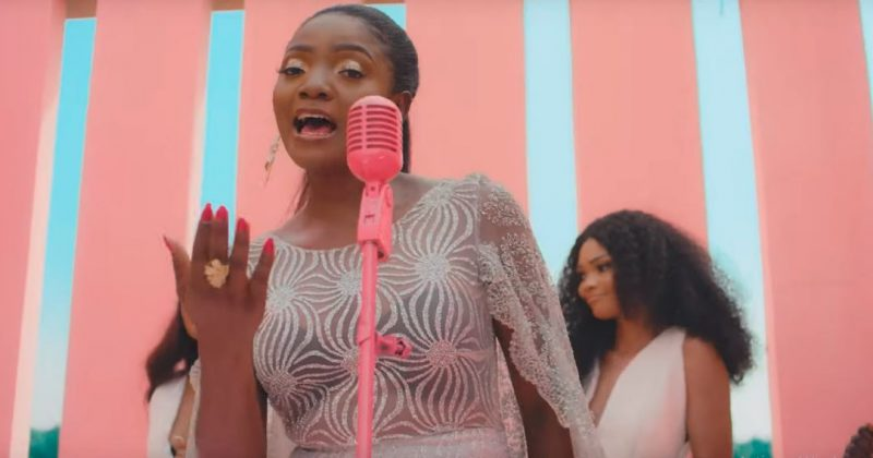 "Simi shares heartwarming music video for latest single, ""Ayo"" - The Native"