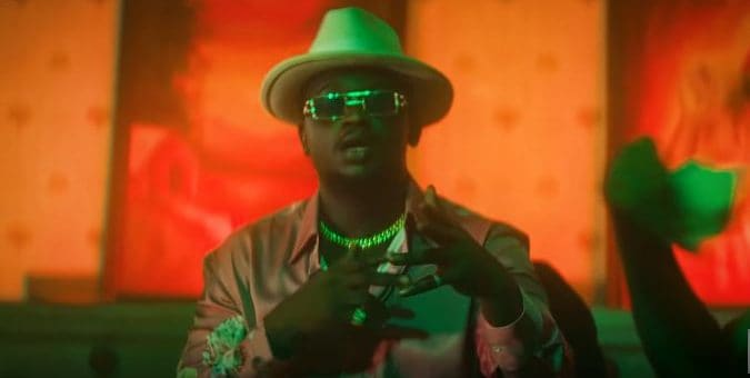 """Watch a charismatic Wande Coal in the video """"Ode Lo Like"""""""